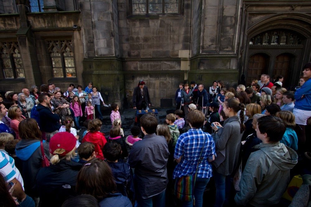 Edinburgh magician Ian Kendall's street cups and balls magic show